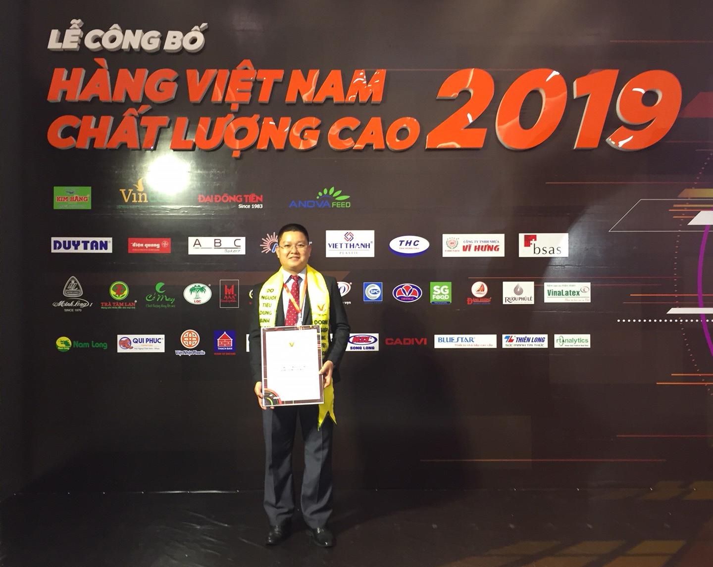 Rando nhận danh hiệu hàng việt nam 2019