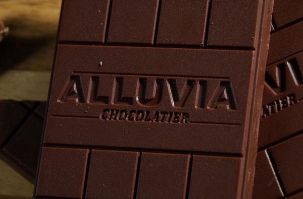 Socola nguyên chất được làm từ hạt cacao