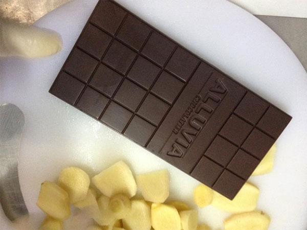 Chocolate là sự hòa quyện của nhiều xúc cảm, có vị ngọt ngào, vị đắng