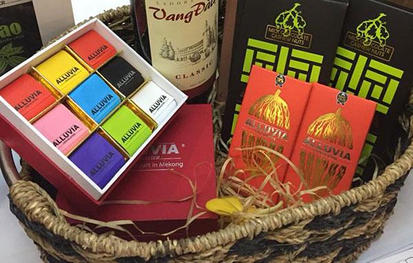 Tham khảo thêm thông tin về socola thủ công tại trang web www.socolaalluvia.com