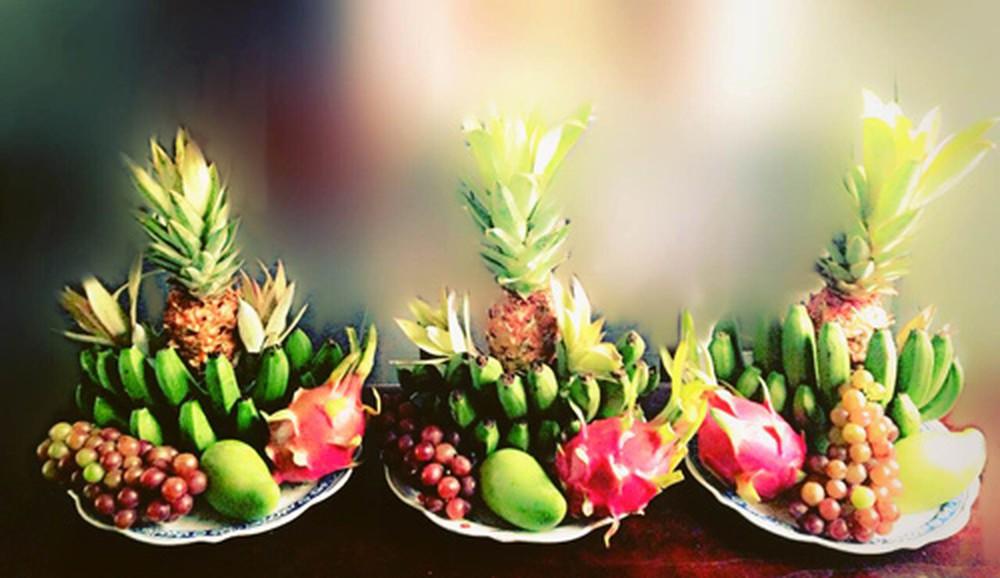 Lựa chọn hoa quả sạch tươi để cúng rằm
