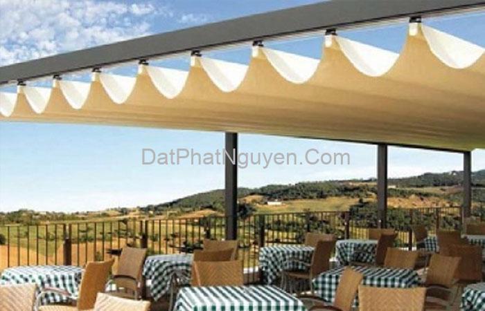 Mái bạt xếp dùng để che chắn mái nhà, không gian phía trước cho ngôi nhà, cửa hàng.