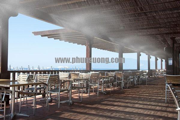 Hệ thống phun sương Hawin được sử dụng ở quán ăn tại Long An