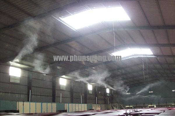 Phun sương Hoàng Hà dùng trong nhà xưởng ở  Tiền Giang
