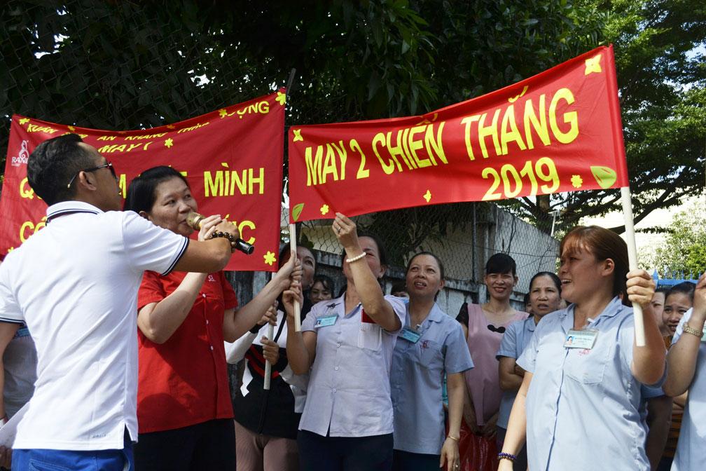 Những slogan khá tự tin thể hiện sự quyết tâm, đoàn kết của CB-CNV 6