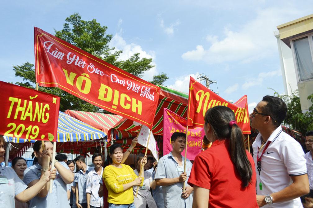 Những slogan khá tự tin thể hiện sự quyết tâm, đoàn kết của CB-CNV 5