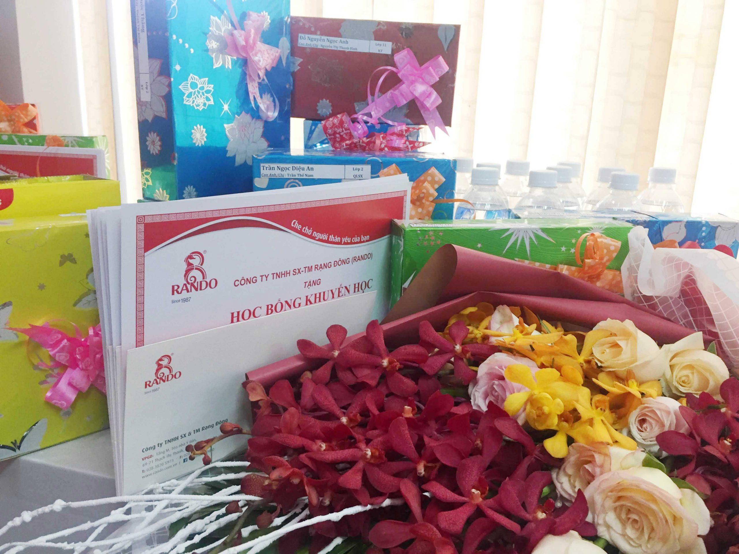Lễ Trao Học Bổng Khuyến Học Niên Khóa 2019-2020 Cty RANDO