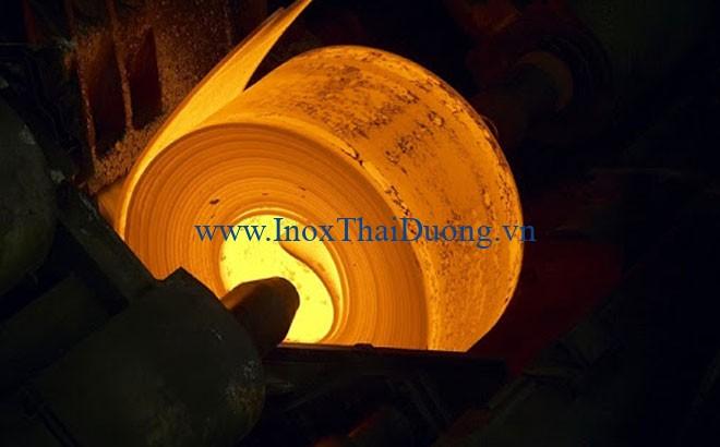Ống inox 304 dễ dàng tạo hình khi gia nhiệt